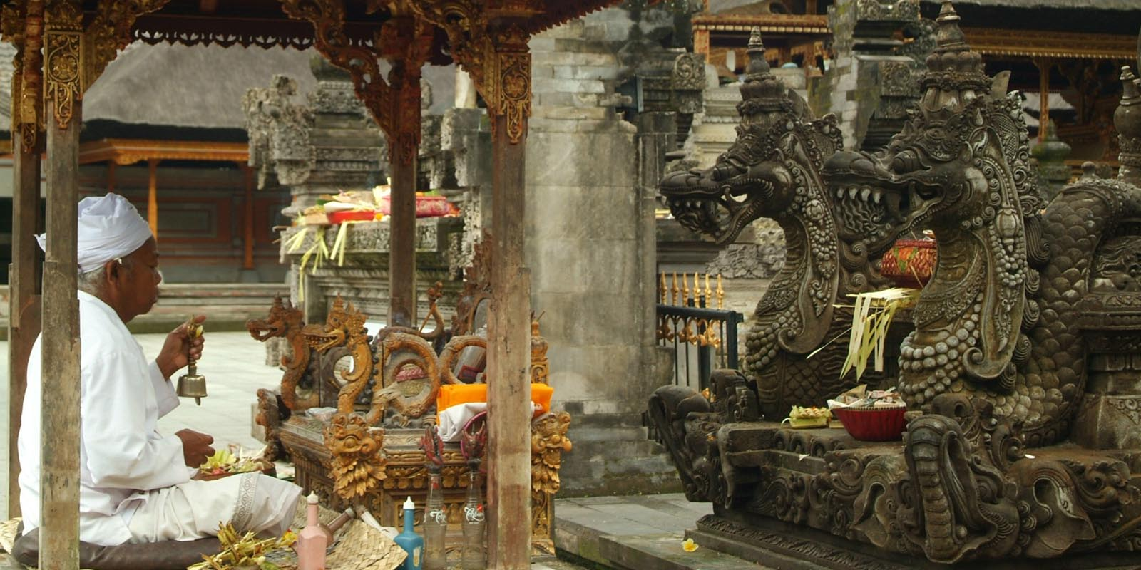 Balinese ceremony at the local temple